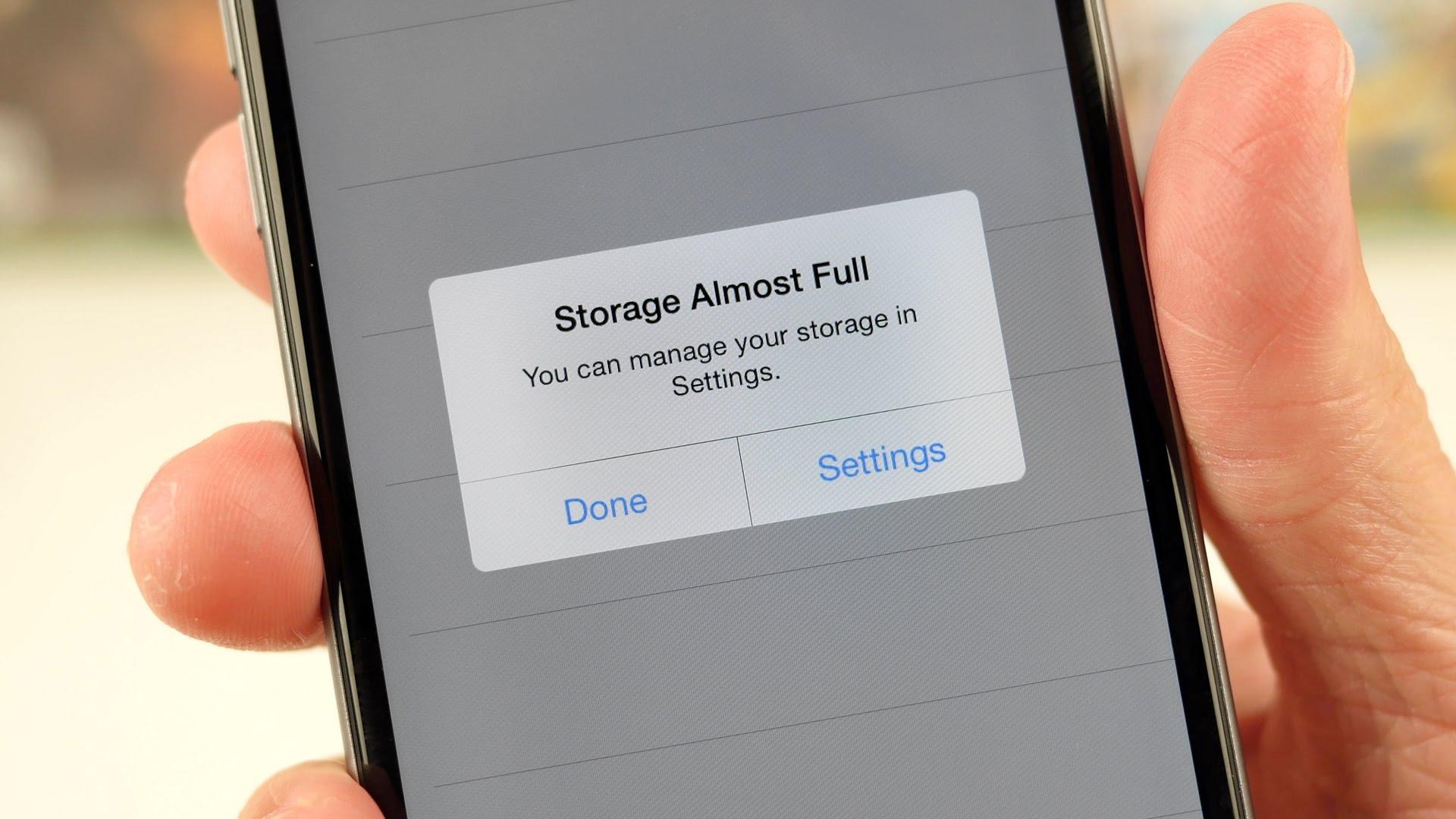 Можно ли увеличить память в iPhone?