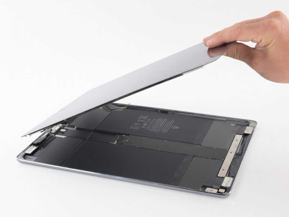 Как выполняется замена стекла дисплея iPad Pro 11