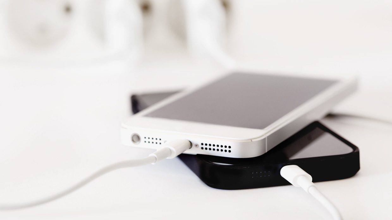 Как  и зачем включать оповещения о зарядке iPhone до 80%
